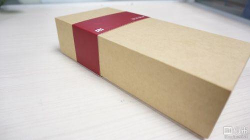 小米方盒子蓝牙音箱开箱 美女管理评测