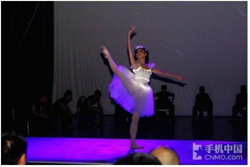 芭蕾舞蹈交相呼应