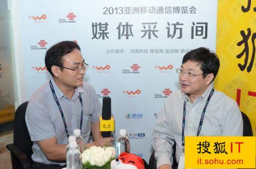 中国联通总经理陆益民(右)-打印 独家专访陆益民 联通引领移动互联