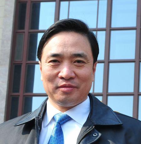 """资料:广东移动总经理徐龙建议建""""市民网页""""打造公共服务图片"""