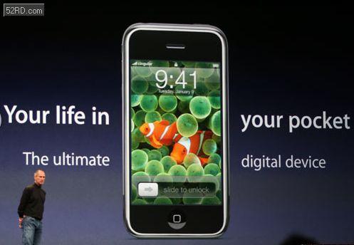 苹果ceo 史蒂夫 · 乔布斯 在介绍首款 iphone