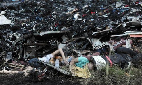 截至目前,此次客机坠毁事故尚未发现任何生还者的迹象.
