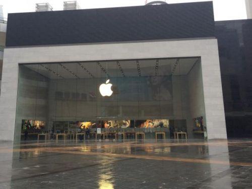 威锋记者带你抢先预览重庆北城天街苹果店_苹