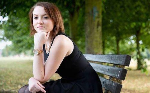 Ellie Nudd:网络暴力改变了我的生活