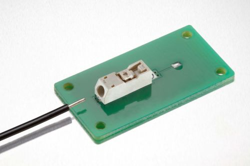 Molex推出新款表面贴装技术线对板连接器系统0