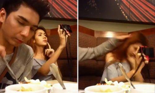 泰国美女在吃饭时爱玩白拍