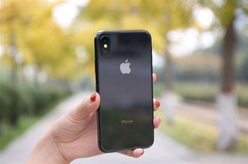 iPhone X美国销量遇冷:运营商狠促销 买一送一0