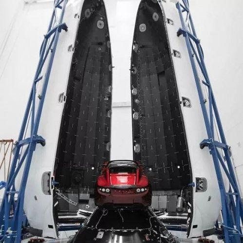 疯狂:马斯克要把特斯拉跑车送太空 让外星人看到0