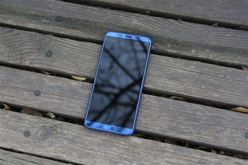 荣耀10确定将用全面屏设计:麒麟970+屏内指纹浮现0