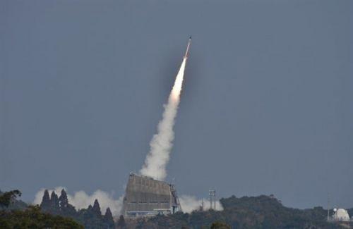 仅3.2千克 日本成功发射世界上最小的火箭0