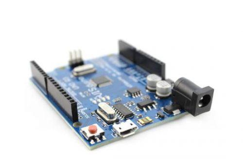 1瓦加速 英特尔推出迷你电路板AI Core0