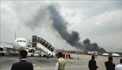 尼泊尔客机降落期间毁失事 49人死亡0