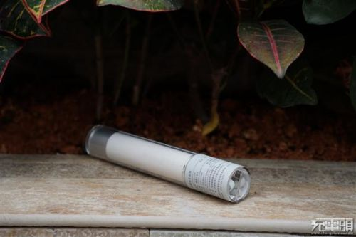 紫米移动电源MINI、小米随身手电筒拆解对比:各有所长7