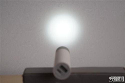紫米移动电源MINI、小米随身手电筒拆解对比:各有所长21