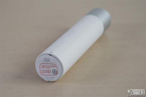 紫米移动电源MINI、小米随身手电筒拆解对比:各有所长10