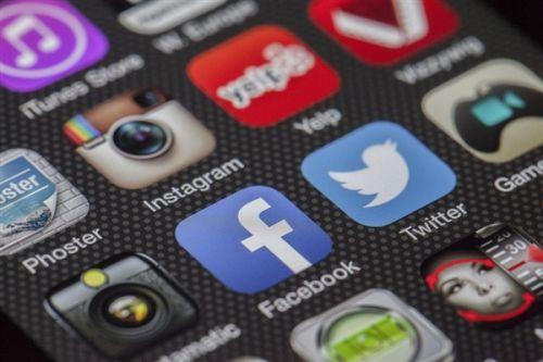 小扎闹心 苹果联合创始人也宣布退出Facebook0
