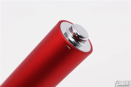 """锤子坚果""""电池形电池""""移动电源开箱:小巧5"""