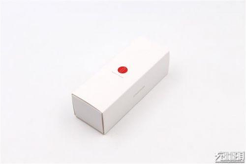 """锤子坚果""""电池形电池""""移动电源开箱:小巧0"""