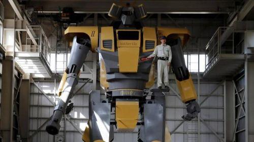 偶像啊!日本工程师制造巨型机器人出租 2