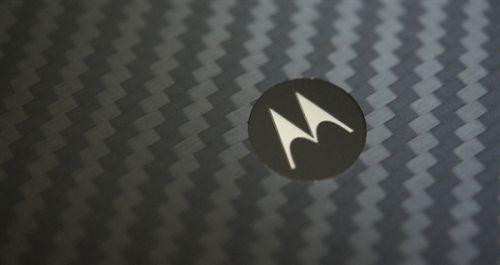 主打模块化设计!Moto Z3 Play渲染图曝光0