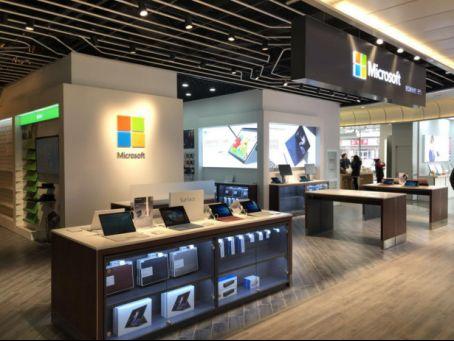 全球首款适配微软平板电脑Surface的VR头显问世0
