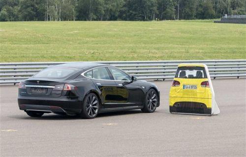 特斯拉Model S自动刹车测得不合格1