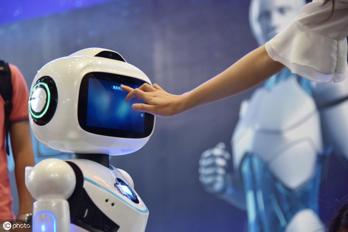 AI或将改变一切职业 增加对创造性思维者的需求